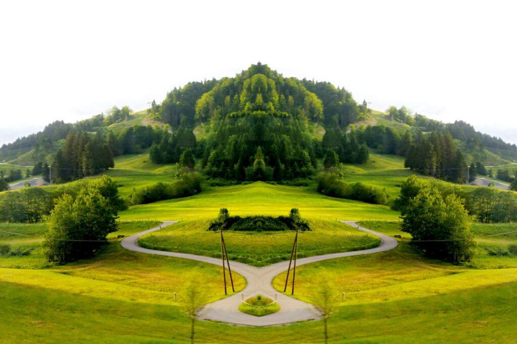 Seelenpfade grüner Hügel